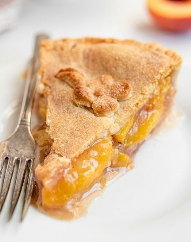 THE PERFECT PEACH PIE